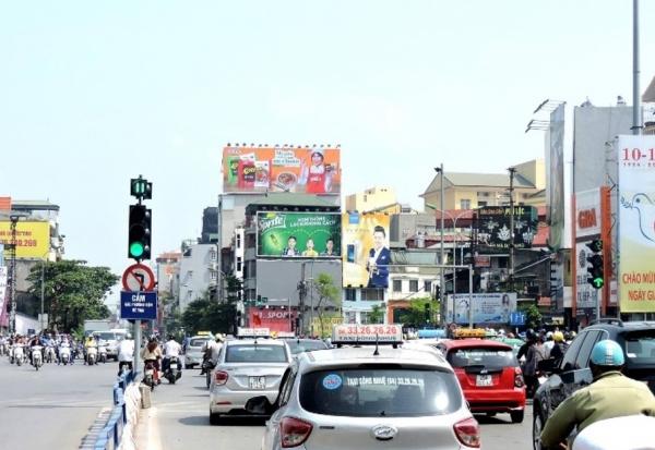 pano quảng cáo ở ngã 5 ô chợ dừa