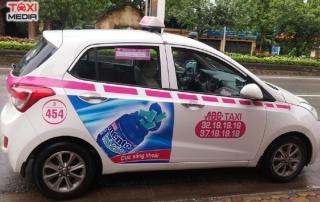 quảng cáo trên taxi abc
