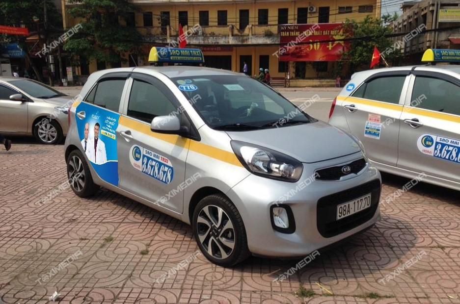 quảng cáo trên xe taxi Sao Mai