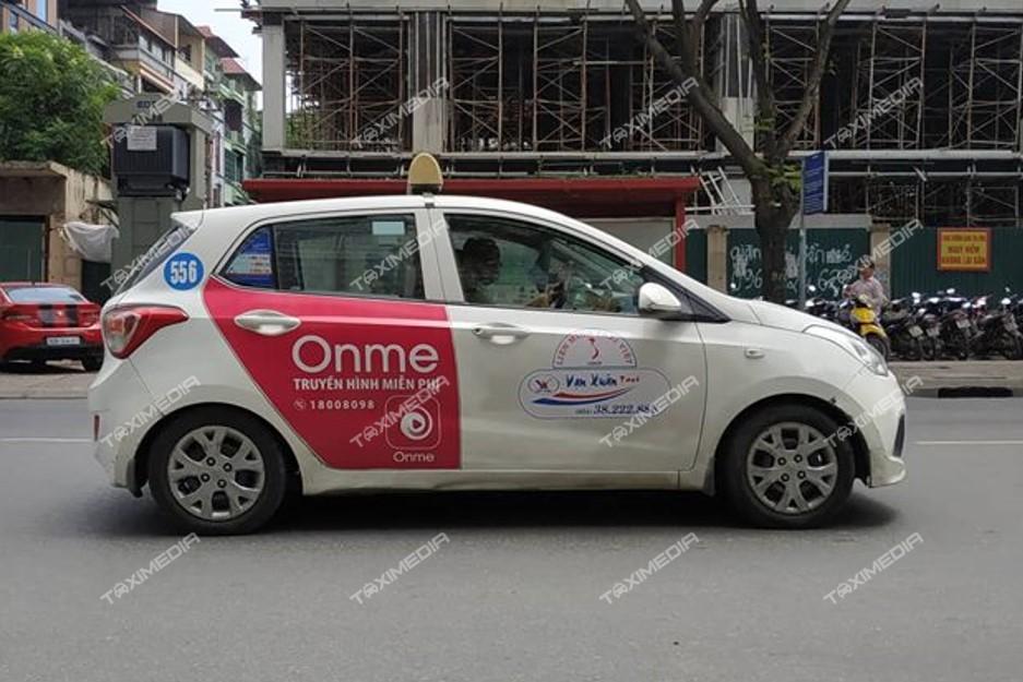 quảng cáo trên hãng taxi Vạn Xuân