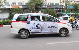 quảng cáo taxi group 4 cánh