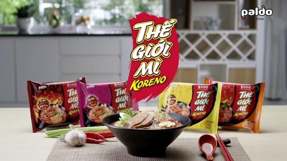 Thế giới mỳ Koreno chạy quảng cáo trên xe taxi