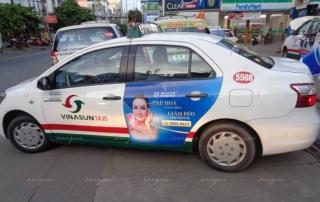 thẩm mỹ viện quảng cáo trên taxi