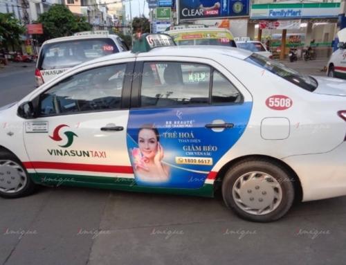 Vì sao nhiều thẩm mỹ viện lại lựa chọn quảng cáo trên xe taxi?