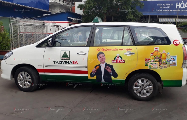 quảng cáo trên taxi tại sân bay