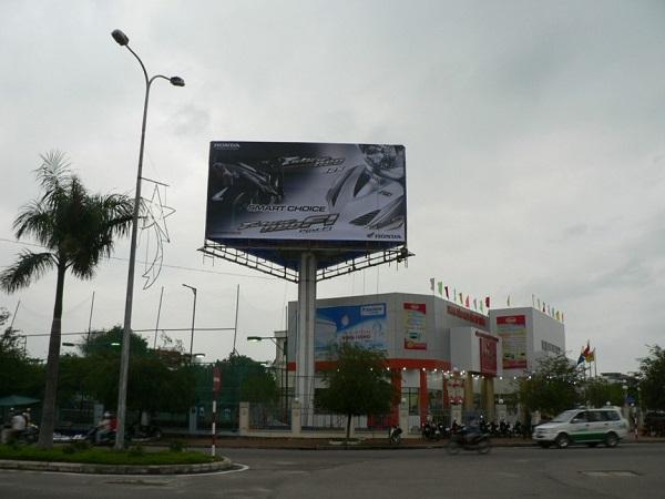 Billboard 3 mặt