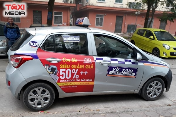 Quảng cáo trên VIC taxi