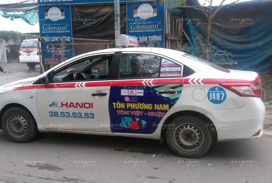 Quảng cáo trên xe taxi Group