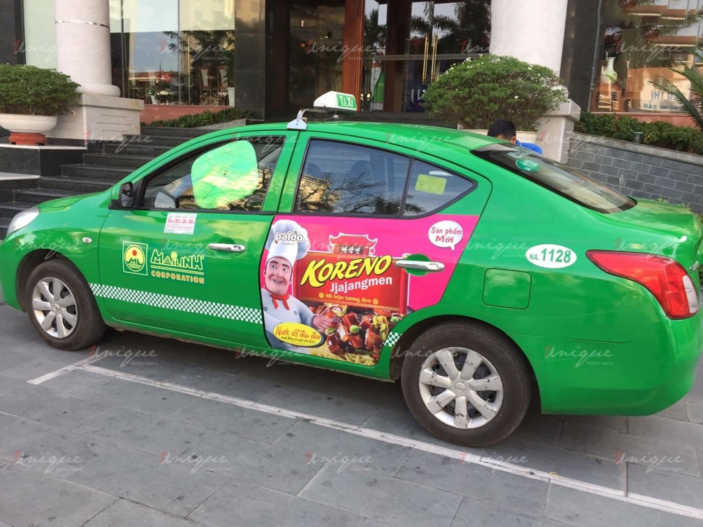 Koreno Jjajangmen chạy quảng cáo trên taxi
