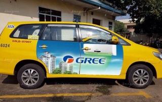 quảng cáo 4 cánh trên vina taxi