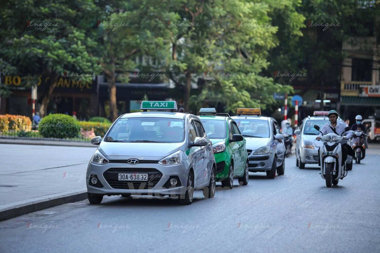 hộ kinh doanh tham gia thị trường taxi