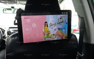 quảng cáo trong xe taxi
