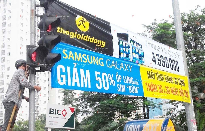 treo banner phướn quảng cáo