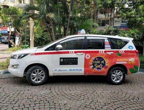 Dán quảng cáo tràn đuôi xe taxi: Thu hút mọi ánh nhìn