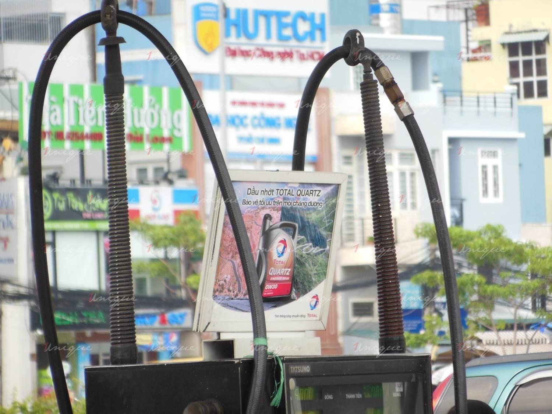 quảng cáo tại trạm xăng